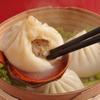 楽楽屋 - 料理写真:スープたっぷり熱々小龍包
