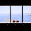 ステーキハウス ミディアムレア - 内観写真:広大な海を目の前にして優雅な一時を・・・目の前に広がる神戸の広大な海をご覧頂きながらの、お食事はいかがでしょうか。