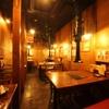 二の鉄 - 内観写真:1F席。店内は昭和レトロな雰囲気の漂う懐かしい空間