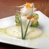 馬鹿とけむり - 料理写真:海老とアボガドのタルタル仕立て