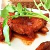 タンブリン カレー&バー - 料理写真:名物!タンドリーチキンステーキ(900円)