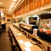 焼肉チャンピオン - 内観写真:料理人たちにおすすめ部位を聞きながら注文したい方はカウンター席がベスト!