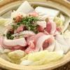 居酒屋 Raita - 料理写真:ヘルシーな豚肉と白菜を、さっぱりとたくさん味わえる『ヨシアキ鍋』 底には中華麺が隠れています