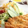 センカエン - 料理写真:サクッと軽くジューシーな味わい『とんかつ定食』
