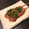 炉端のぬる燗 佐藤 - 料理写真:白レバー葱塩串。お酒が進みます!
