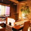 OHASHI - 内観写真:テーブル席と小上がり席。