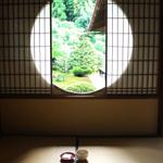 京都 古来の日本庭園を眺め お茶を一服 心潤う時間 ※滝の間追記