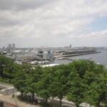 【港ヨコハマ】誰でも利用できる施設内の超穴場絶景レストラン