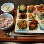 『恋の接待』が成功する、ワンプレートランチのお店 in福井県