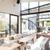 ブランチキッチン - 内観写真:大きな窓から明るい光が差し込む爽やかな店内。