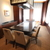 ステーキハウスハマ - 内観写真:7.8名様利用には最適な外光の入る個室(欅)