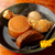 とり玉 - 料理写真:鶏ガラで贅沢に出汁をとった『おでん』鶏ガラとかつおだしを使用。開店からずっとつぎ足して作っている黒いスープはあっさり味が魅力です。各105円