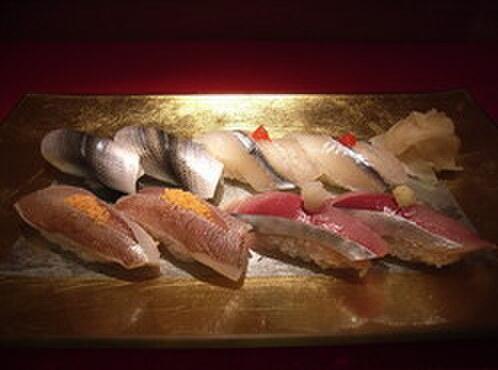 吟遊 - 料理写真:『光物尽し』 鯵 春子 鰯 鱚 鯖 細魚など旬を楽しむ