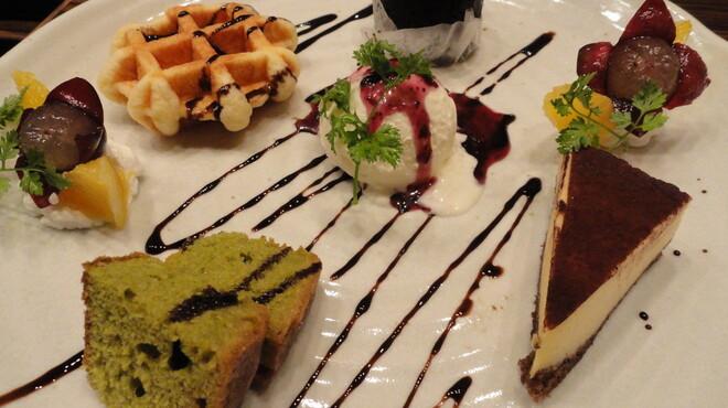 ススム - 料理写真:デザート盛り合わせ!超お得!