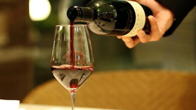 クラウン・カフェ - 料理写真:ソムリエセレクトのワインと一緒に