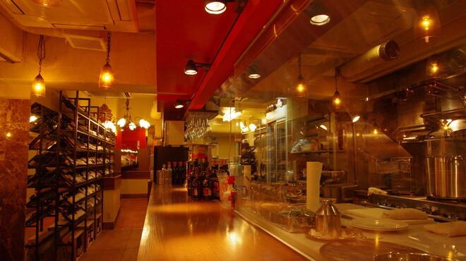 俺のイタリアン - 内観写真:三ツ星料理店でしか味わえないスーパー料理の数々を380円から