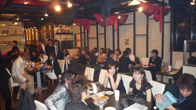 沖縄Diningでーじな豚 - 内観写真:100名様までの結婚式2次会もできます。