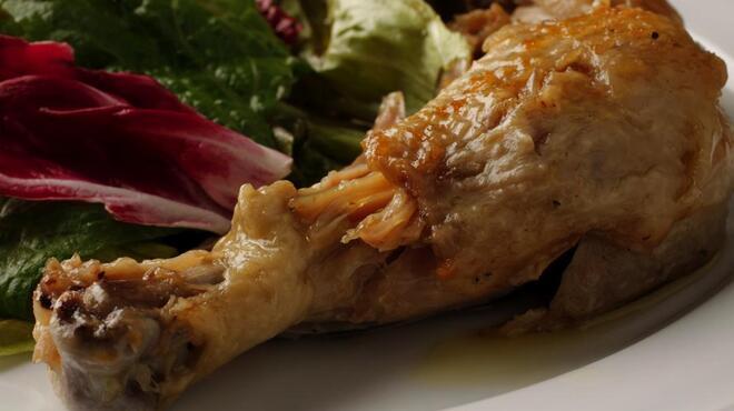 アントン ビー - 料理写真:鶏もも肉のコンフィ