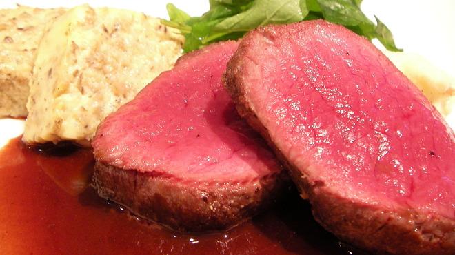 Le Temps - 料理写真:岡山産天然 雌鹿肉のロースト 赤ワイソース \2600