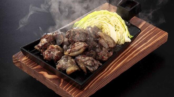 九州酒場 - 料理写真:ありた鶏もも炭火焼き