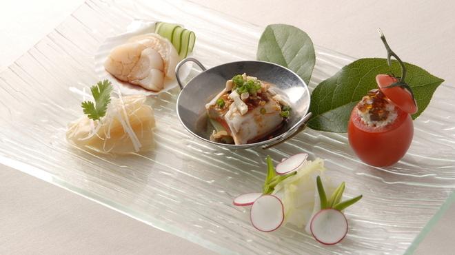 礼華 - 料理写真:彩り豊かな前菜盛り合わせ