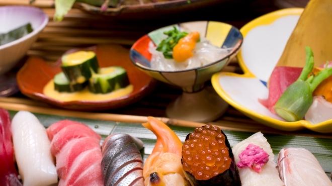 築地秀徳本店 - 料理写真:日本一の白身魚を堪能して下さい。