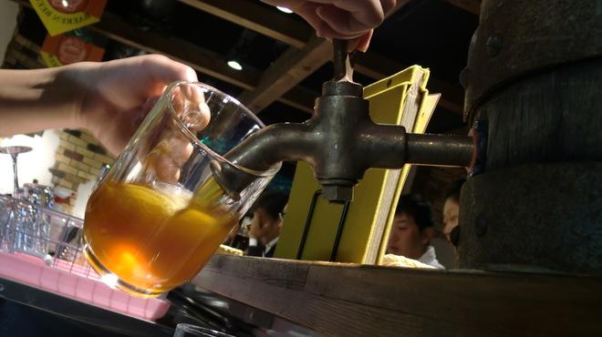 ビアバー ベアレン 中ノ橋 - 内観写真:木樽の日 ~ 木樽から注がれる熟成ビール   ※毎月第3金曜日開催中!