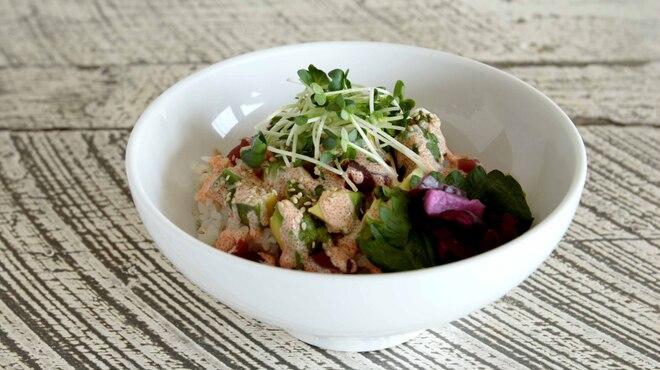 chano-ma - 料理写真:マグロとアボガドの明太子マヨ丼
