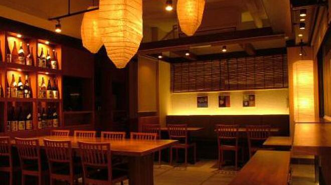 凪 - 内観写真:宴会、デート…いつでも使えるおとなの居酒屋