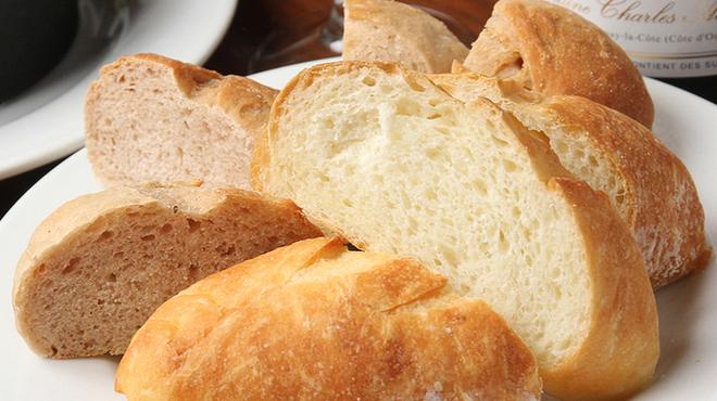トミガヤ テラス - 料理写真:自家製手作りパン