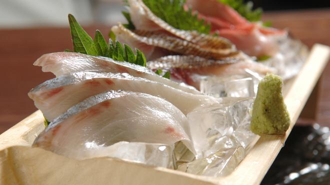 ろばた 翔 - 料理写真:毎日市場直送の鮮魚