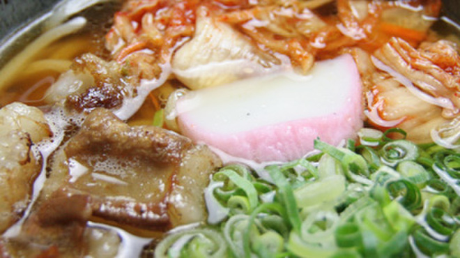 はなこ - 料理写真:黒毛和牛とろテッチャンキムチうどん850円(激辛900円)