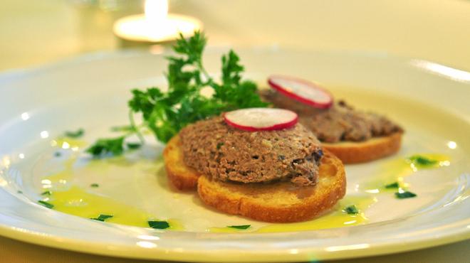 ラ クッチーナ ビバーチェ - 料理写真:鶏レバーのテリーヌ 臭みが全くなく絶品です!