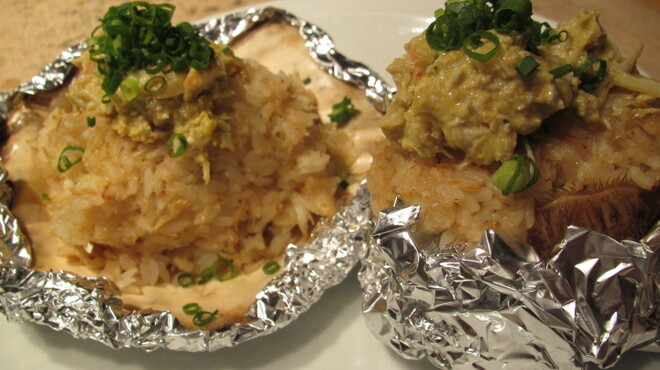 開陽亭 - 料理写真:人気の蟹メニュー「毛がに焼き飯」たっぷり毛ガニの身とミソ!
