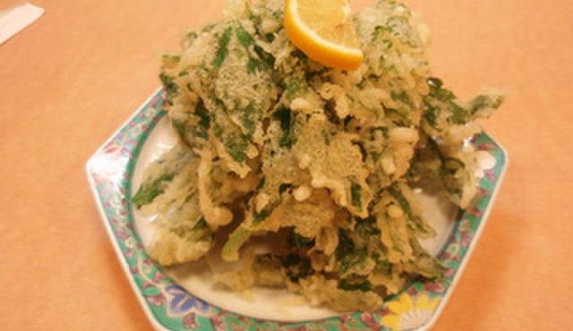 八丈島 - 料理写真:あしたばの天ぷら¥630。てんこ盛りです!