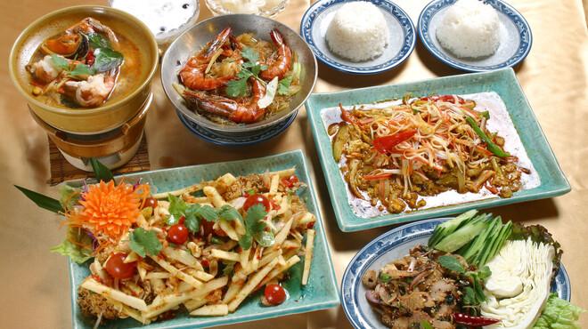 ソムオー - 料理写真:コース一例。スペシャルコース¥4,860.他にもお客様に合った多彩なコースをご用意してます。