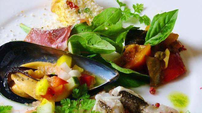 ポズダイニング - 料理写真:魚介と有機野菜の前菜盛り合わせ