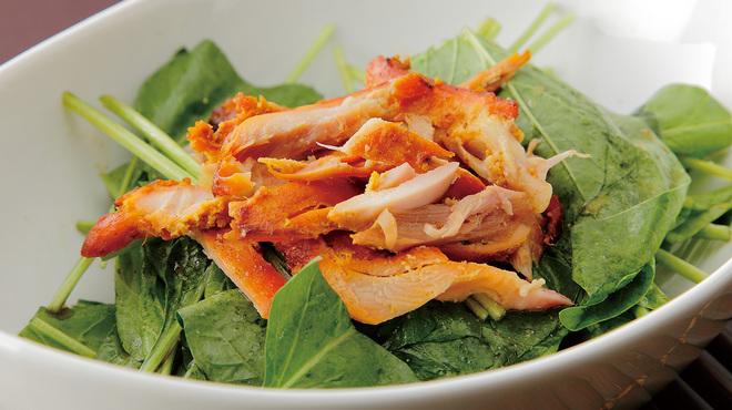 ローカルインディア - 料理写真:ほうれん草チキンサラダ