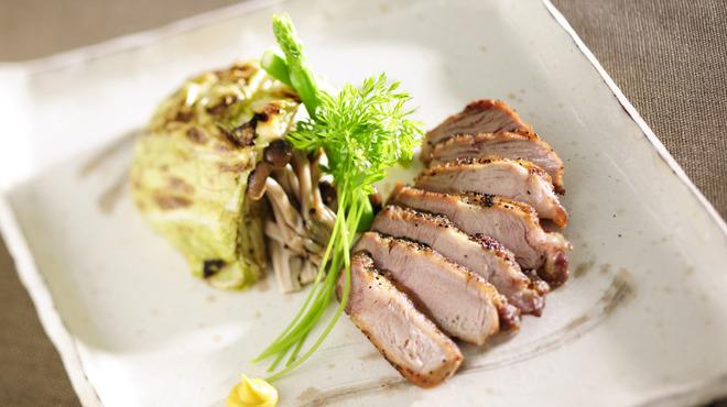 和食 えん - 料理写真:じゅーしーなイベリコ豚の岩塩焼き1,600円!