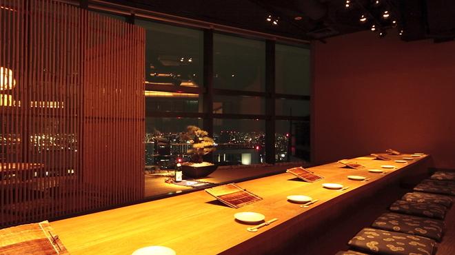和食 えん - 内観写真:レインボーブリッジが眺められるカウンター席