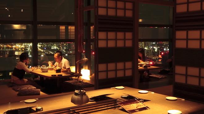 和食 えん - 内観写真:囲炉裏の席も人気です。