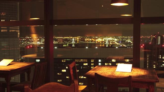 和食 えん - 内観写真:テーブル席でも眺めが綺麗です。