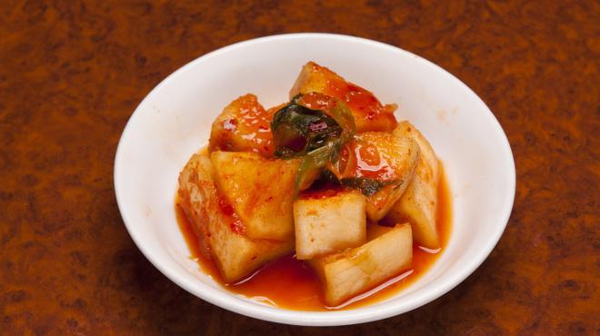 白雲台 - 料理写真:自家製大根キムチ