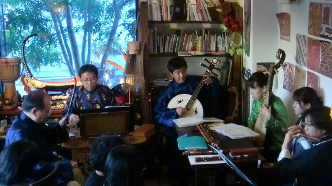 アジアの食堂 ムバラケ - 内観写真:上海茶館音楽ライブ
