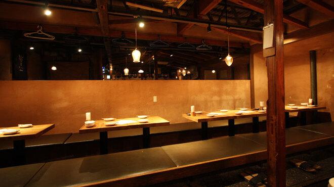 もも吉 - 内観写真:小上がりのテーブル宴会席! 最大22名様までの可能です。