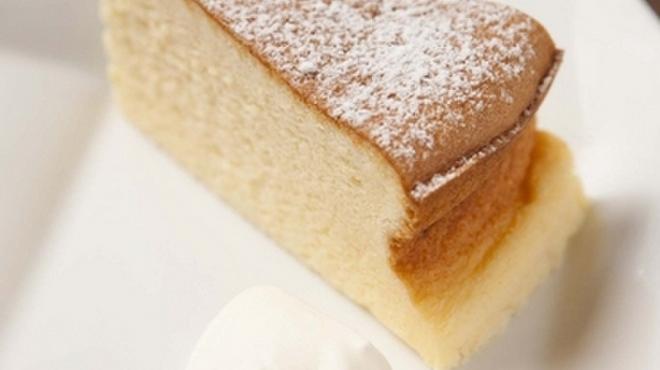 カフェ マルゴ - 料理写真:ふんわりしっとりした触感の『ふんわりスフレチーズケーキ』