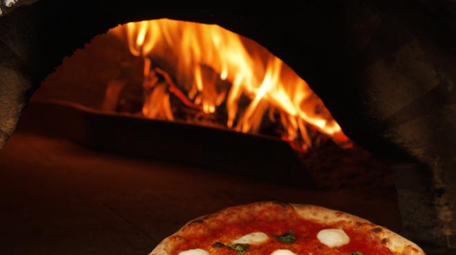 マンマパスタ - 料理写真:窯焼きピッツァ