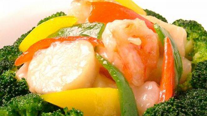 全聚徳 - 料理写真:海老、ホタテ、季節野菜の炒め