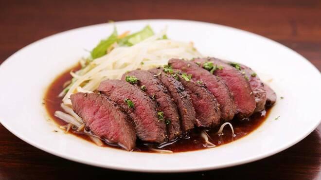 まくら木 - 料理写真:◆エゾ鹿肉のステーキ◆北海道産の新鮮なエゾ鹿肉の赤味をステーキにしました。