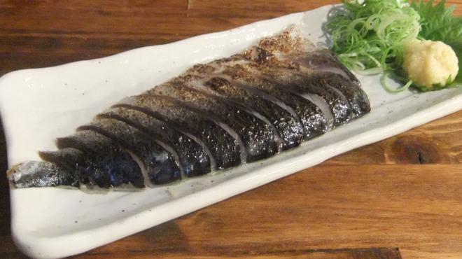 はなまる串カツ製作所 - 料理写真:シメサバをサッと炙って。普通の〆鯖よりも旨味がぎゅっと凝縮してます!